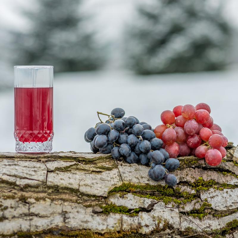 Suc natural de struguri roșii (must)